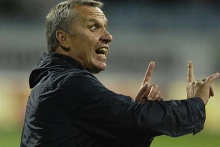 Следите за руками! Как Леонид Кучук руководил «Локо» в матче со своим бывшим клубом